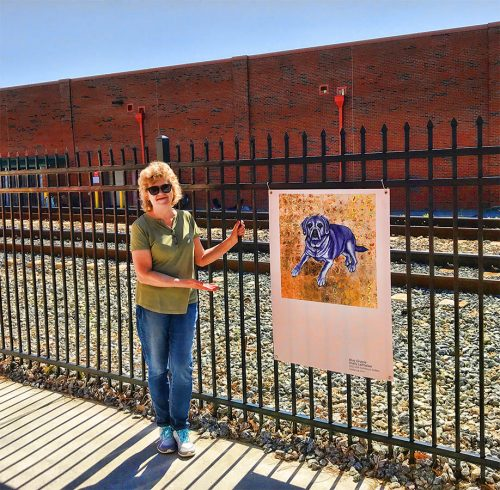 Shelly Leitheiser with Blue Gracie painting